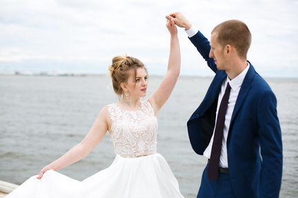 Свадебное платье с кринолином объявление продам