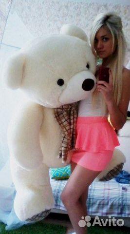 фото красивых девушек с игрушками