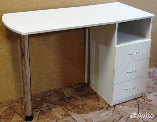 Стол с ящиками
