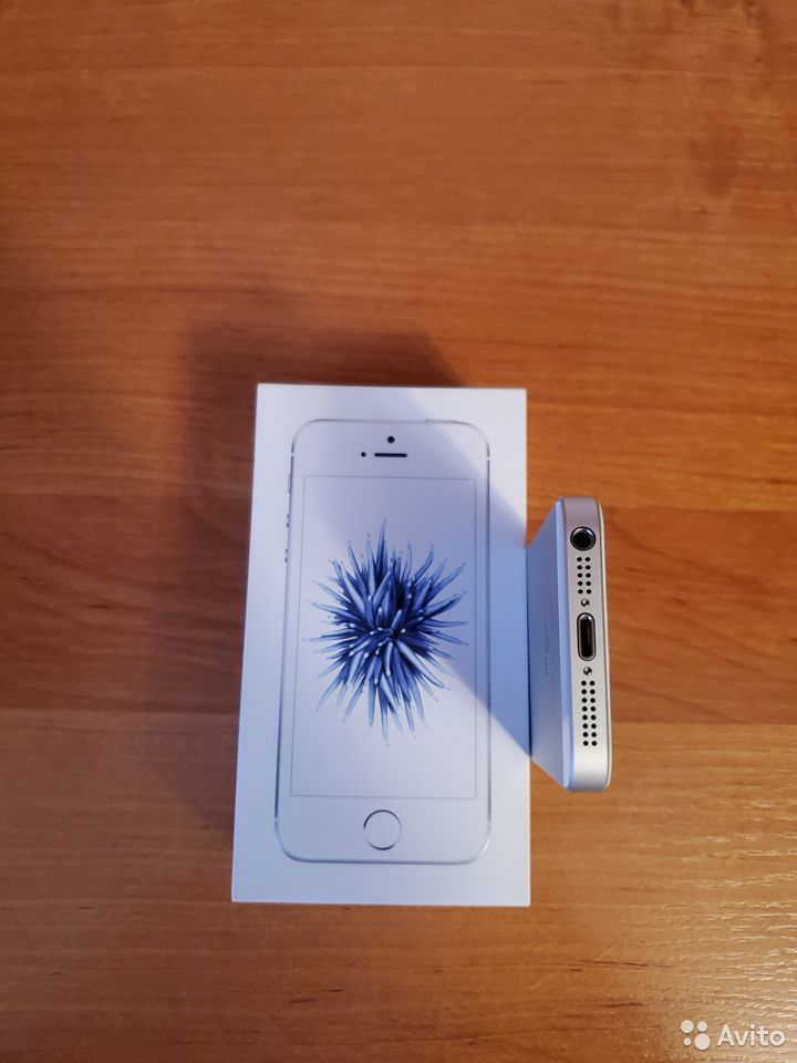 iPhone SE 32gb  89095469578 купить 8