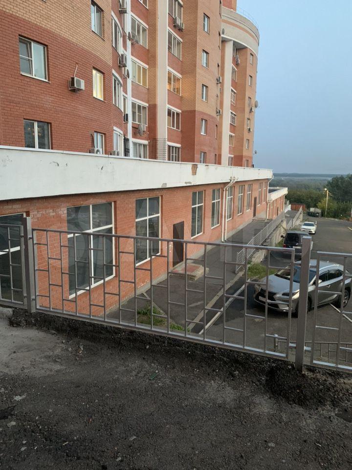 2-к квартира, 60 м², 1/9 эт.