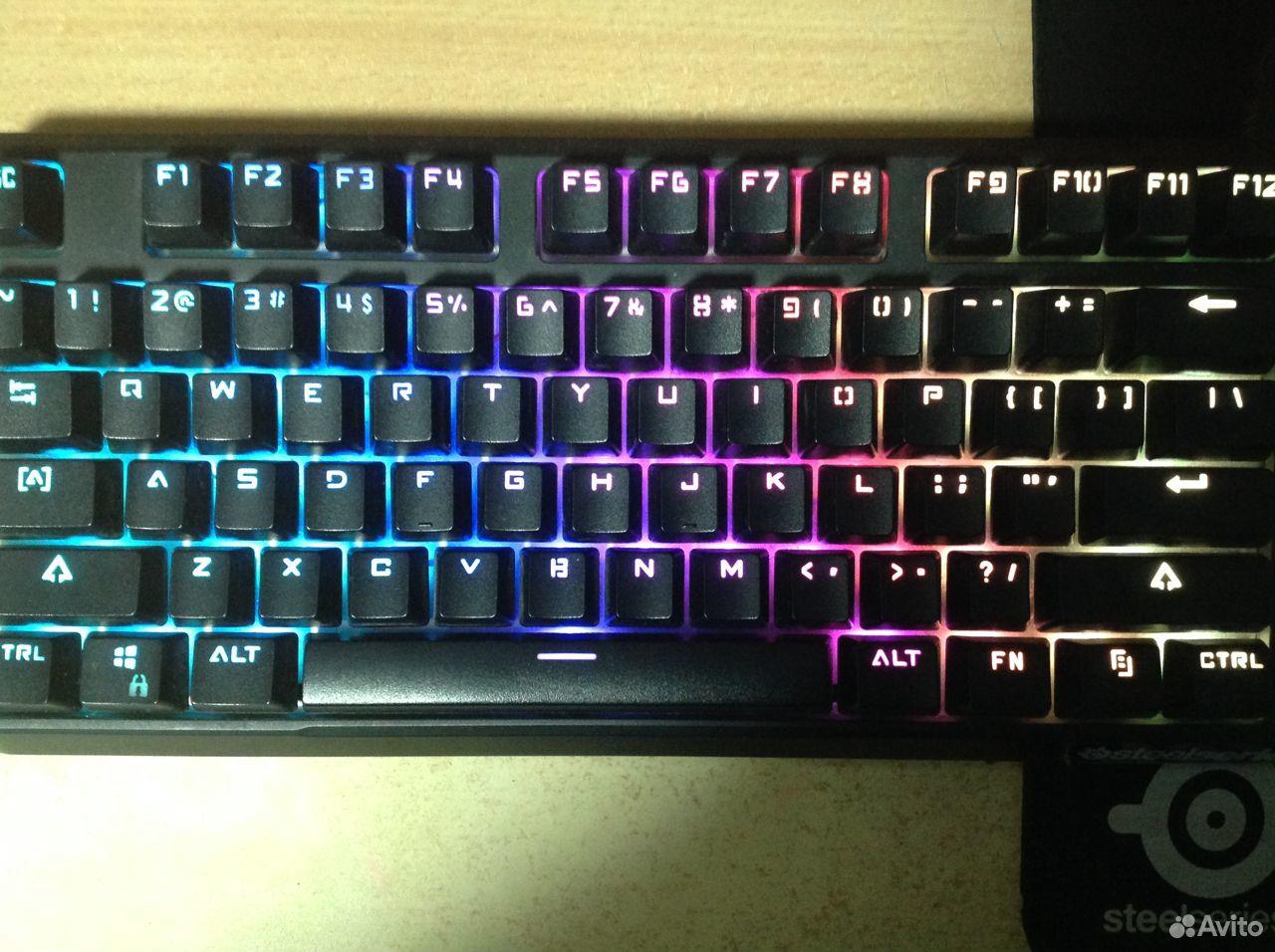 Механическая клавиатура Fuhlen SM680R RGB